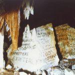 Vandalismus in der Höhle von Selenitsa