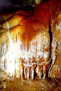 Versinterungen in der Höhle von Selenitsa