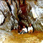 Manuela und Andreas Zimmermann in der Höhle von Selenitsa
